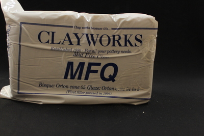 Clayworks Mid Fire Quartz